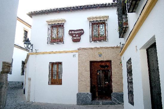 Hotel La Llave de la Jurderia: fachada de la Hospedería