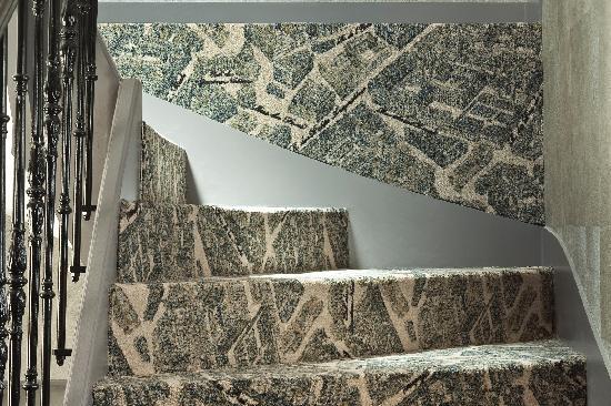 Hotel le Petit Paris : Escalier