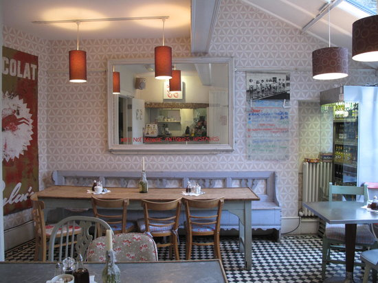 Cafe 53: shabby chic by Sharland and Lewis
