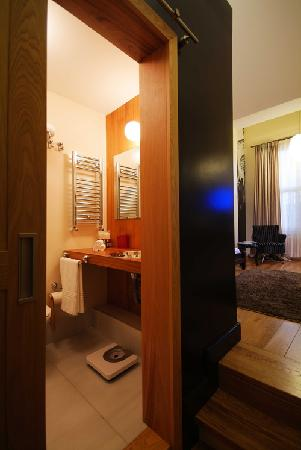 Lush Hotel Taksim: Superior 302 Bathroom