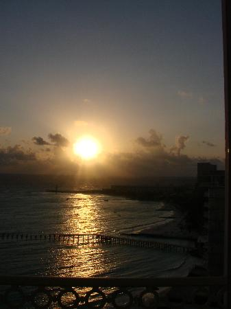 Hotel Riu Cancun: Beautiful Sunrises