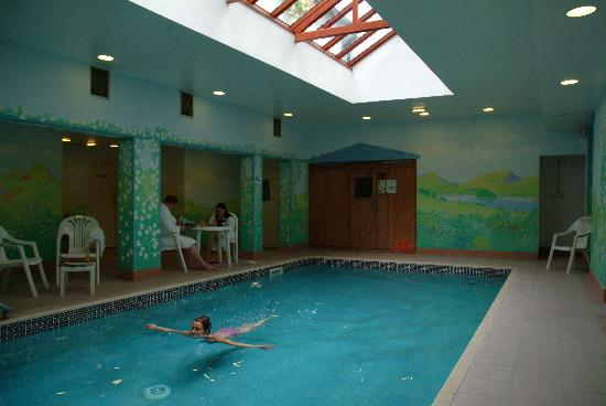 Indoor swimming pool picture of lindeth howe country house hotel bowness on windermere for Hotels in lake windermere with swimming pool