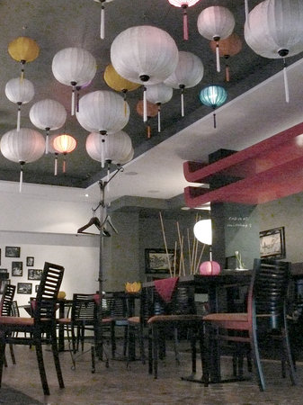 Little Hanoi...and more!: Inside quick look.