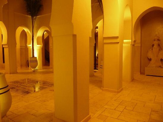 Villa Makassar: cour intérieur