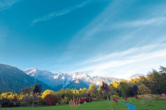 Hotel Kaysers Tirolresort: Naturhotel mit Berge als Nachbar