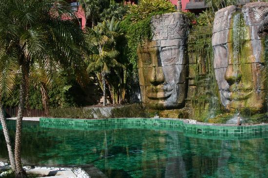 Cala Finestrat, España: Una de las piscinas climatizadas