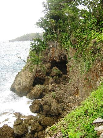 Frenchman's Cove: A small walk from the beach area, beautiful cliff and caves