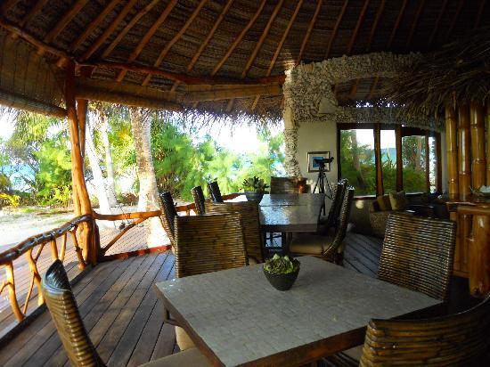 Tikehau Ninamu Resort : Salle à dîner