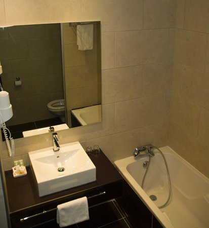 Hôtel Le Mokca : salle de bain