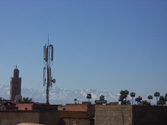 Riad Ajmal: de la terrasse..vue sur l'Atlas