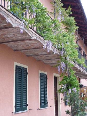 Cascina Sant'Eufemia: Balcony