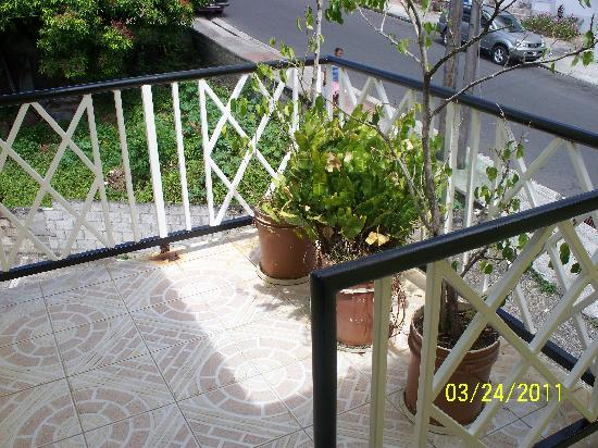 Mr. Clean Bed & Breakfast: Balcony facing Federation Drive