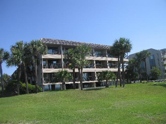 Seaside Villas Resort: Seaside villas from the ocean path