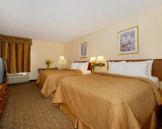Rodeway Inn: Two Queen Guest Room
