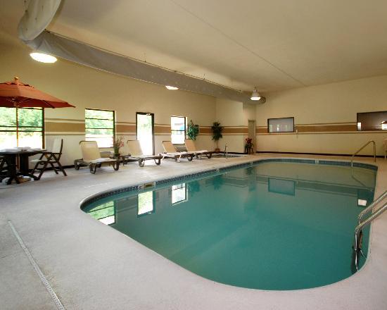 Rodeway Inn: Swiiming Pool/Spa