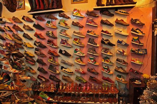 Friendly Shoe Shop: Friendly shop (Inside)