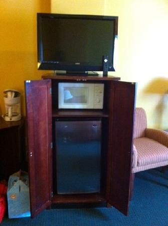 La Copa Inn Beach Hotel: tv, microwave, and a fridge!!!