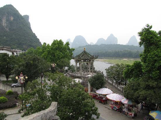 يانجتشو ريفر فيو هوتل: vista del fiume dalla camera