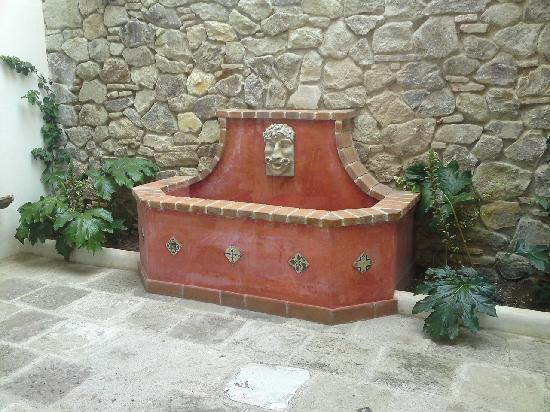Hotel Cirilo in the yard