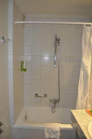Hotel Albar: Bañera