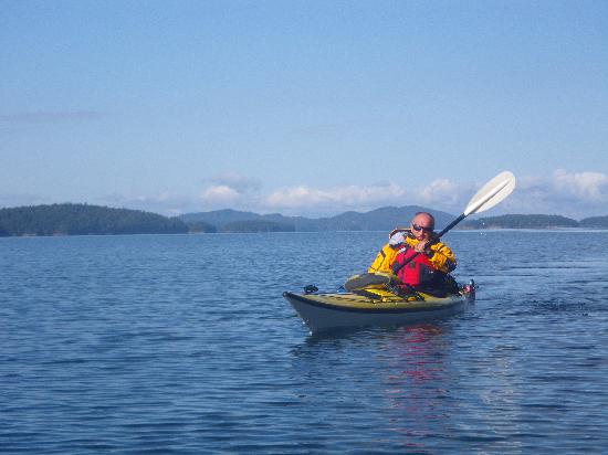 Island Escapades Kayaking - Day Trips: Out for a paddle