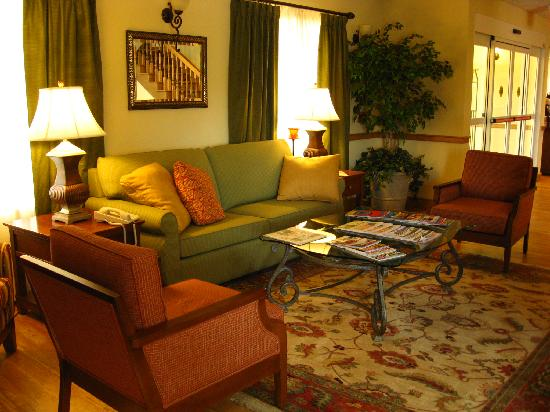 Country Inn & Suites By Carlson, Covington, LA: Sitzecke Lobby