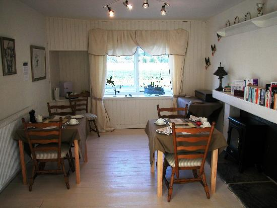 Fraser's Bed & Breakfast: Dining Room