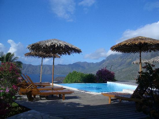 Hanakee Hiva Oa Pearl Lodge: piscine de l'hôtel