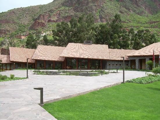 Tambo del Inka, A Luxury Collection Resort & Spa, Valle Sagrado: Hotel from the front