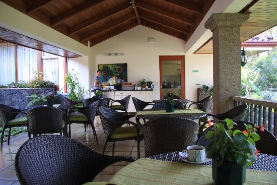 Terrazas de Golf Boutique Hotel: Breakfast tables