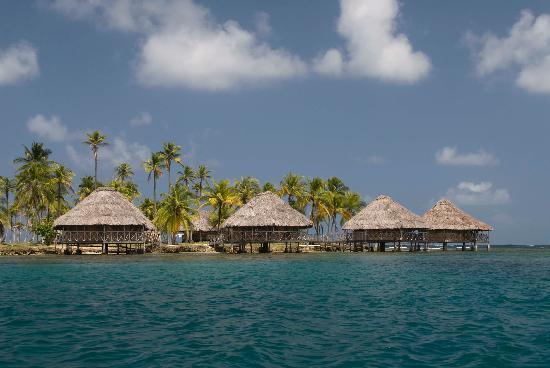 Yandup Island Lodge: Overwater cabins