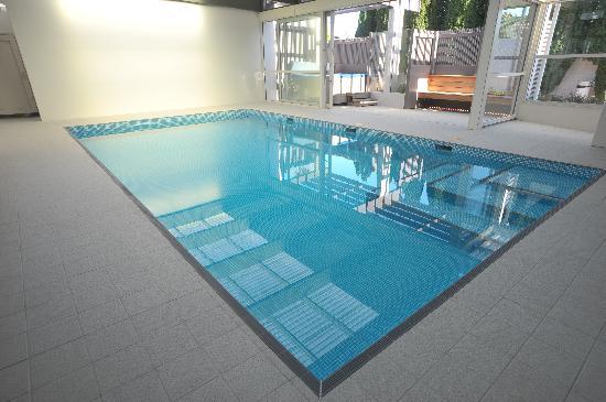 Auto Lodge Motor Inn: Pool & Spa