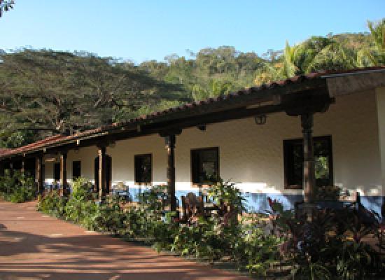 Hotel Villa Lapas: Afuera en el Pueblo