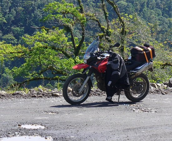 Costa Rica Motorcycle Tours : Taking a break in the jungle