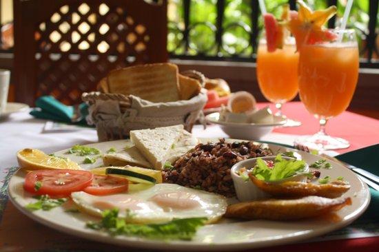 Hotel Colonial : A la Carte Breakfast