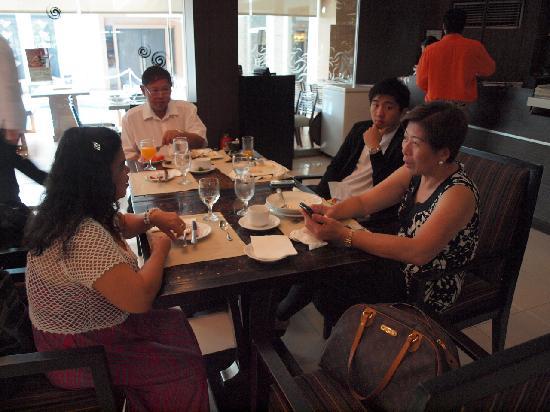 L'Fisher Hotel: Breakfast Buffet