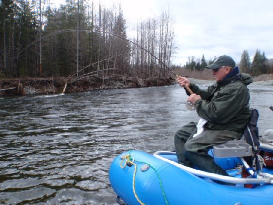 Leisure Suit Charters: River trips for Salmon and Steelhead