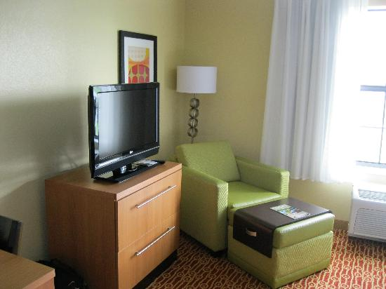 TownePlace Suites Sacramento Roseville: living area