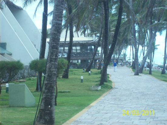 eSuites Vila do Mar: Área entre o hotel e a praia