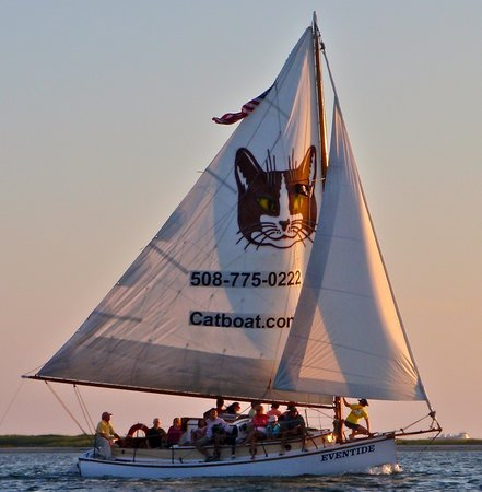 Catboat Rides: Relaxing sunset cruise