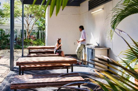 Solaire Apartments: BBQ area