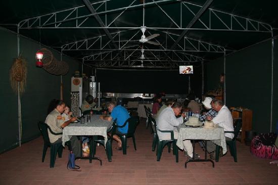 Kakadu Culture Camp : Camp dinner