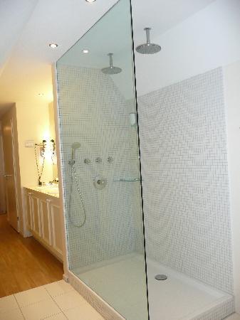 double shower picture of boetiek hotel brasserie plein vijf