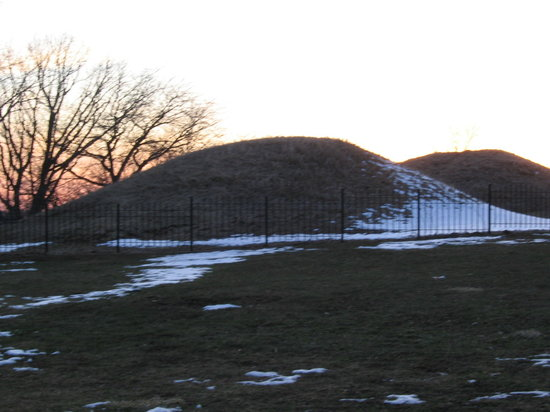 Indian Mounds Regional Park: Indian mounds