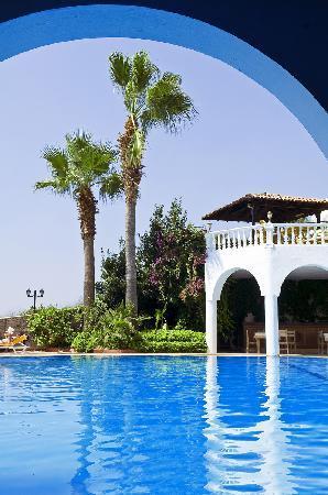 Hotel Altinsaray: POOL