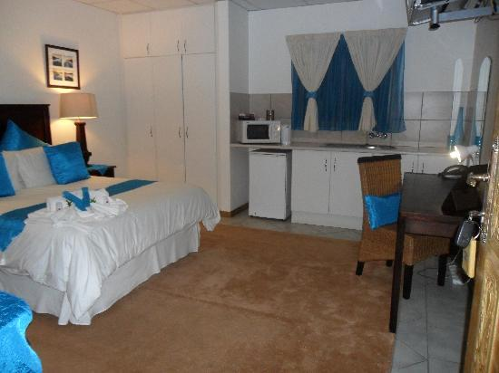 Rustenburg, Sydafrika: blue theme room