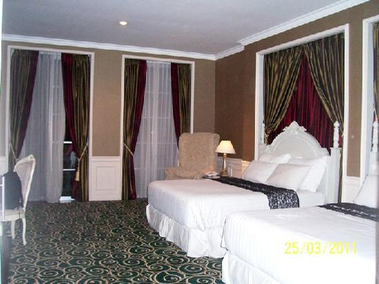 GH Universal Hotel: Deluxe Double Queen room