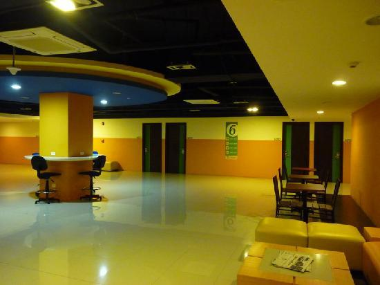Go Hotels Mandaluyong: Room Lobby 4