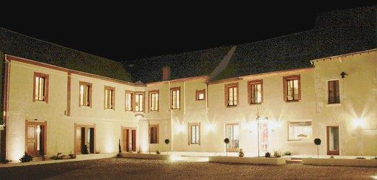 Hotel Burgevin : L'extérieur de l'hôtel