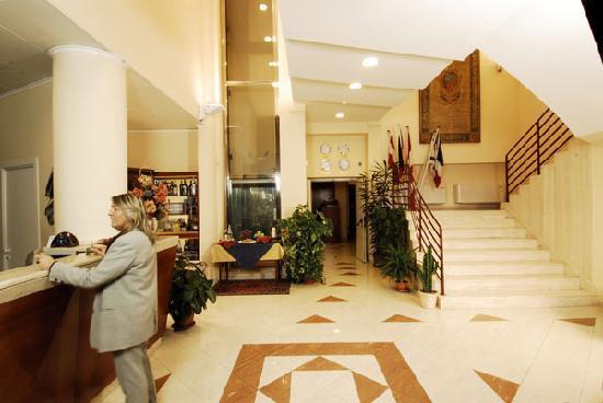 Hotel Semifonte: Hall